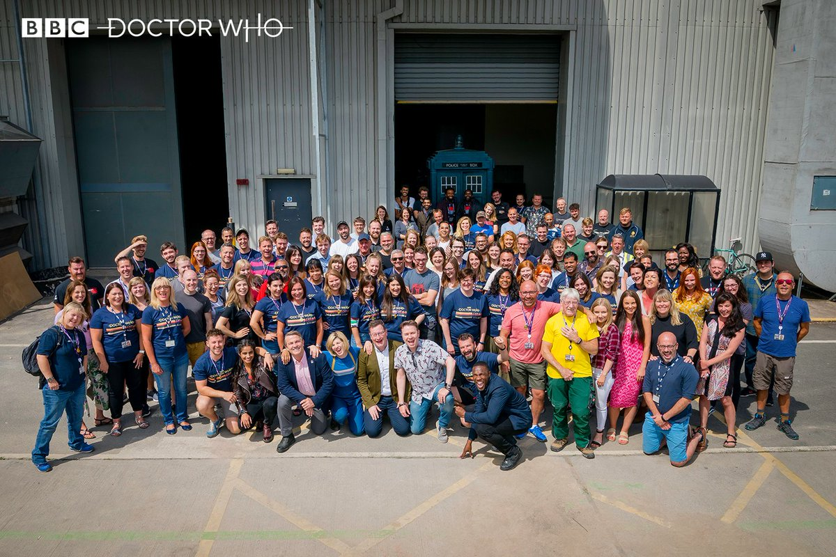 A big thank you from the crew to #DoctorWho fans around the world! 💙💙