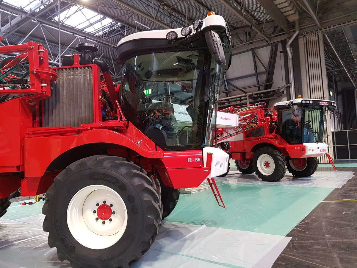 We're in the a) warm and b) dry at @LAMMAShow! Looking forward to catching up with customers old and new - see you at @thenec 😀 Thanks to @MichelinAgriUK for sharing this pic 👍👍