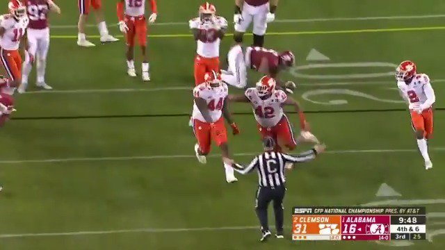 It's a fake! And Clemson is ALL over it. https://t.co/uSndTijvUu