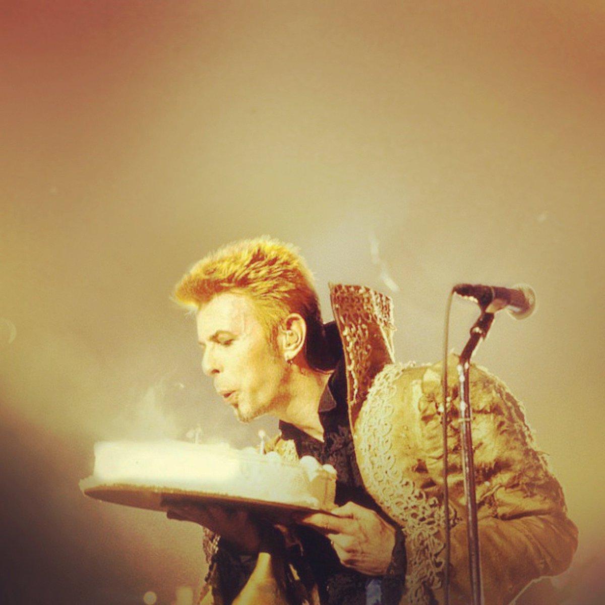 Mike Garson On Twitter Happy Birthday David Davidbowie Happybirthday Davidbowieforever Bowieforever Rememberinghim Carrythenews