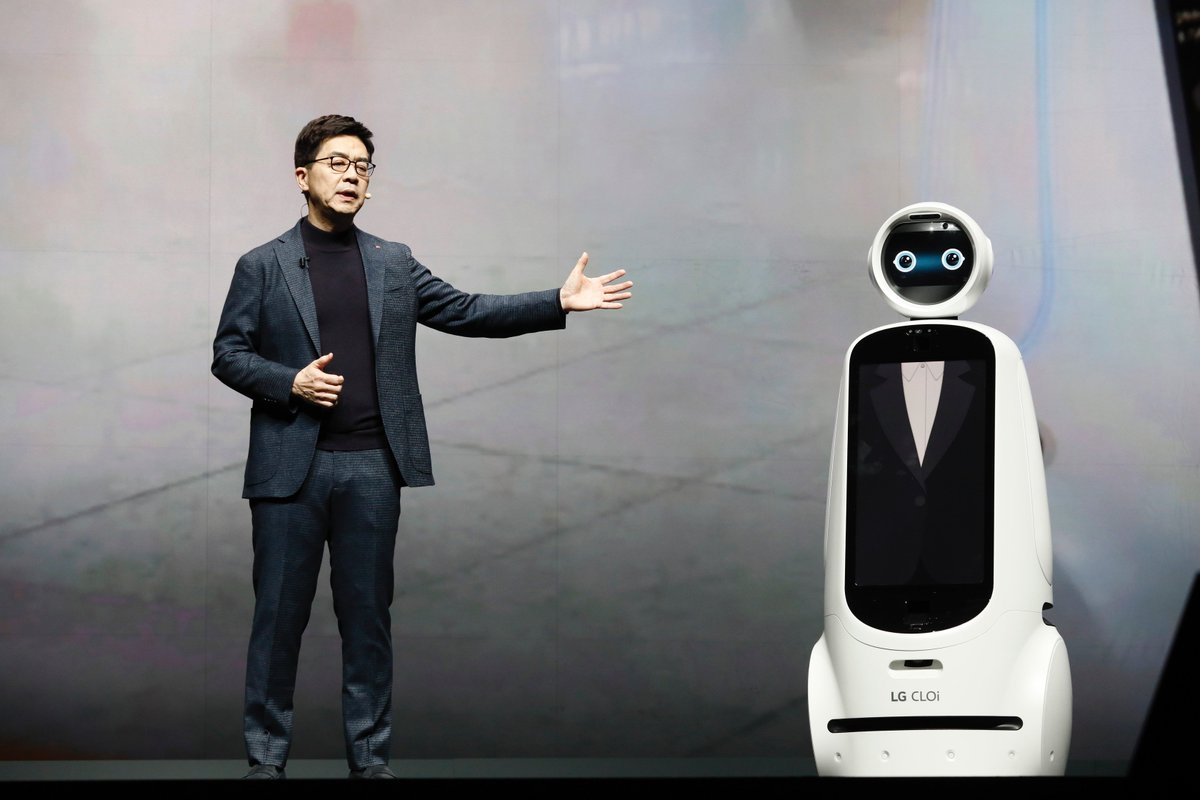 """The next generation of AI is going to make possible truly intelligent machines."" - Dr. I.P. Park @LGUS #CES2019"