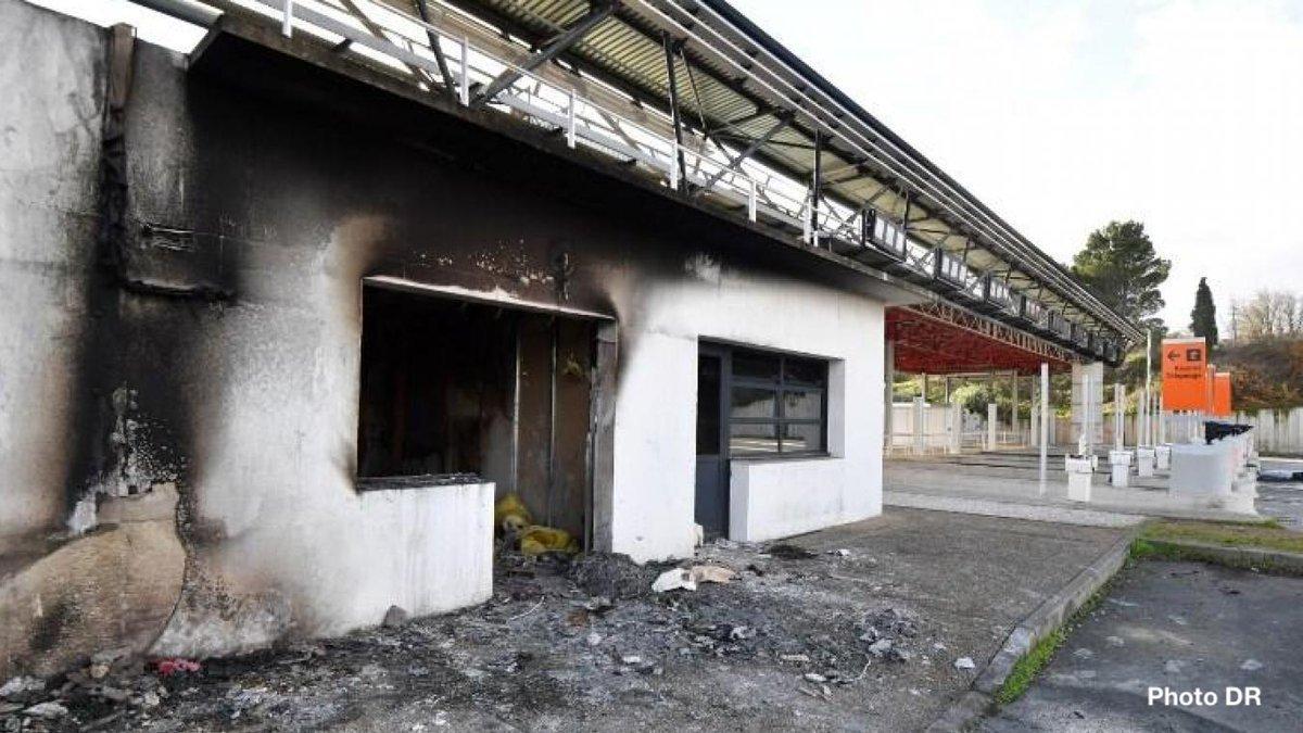 ❗️Opération judiciaire. 160 gendarmes engagés, 35 personnes interpellées et placées en garde à vue ce matin pour avoir vandalisé et détruit par incendie, en bande organisée, les locaux du péage autoroutier de #Bessan le 18/12. Pas d'#impunité face à la violence.