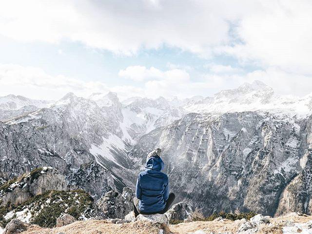📍Brda, 2008 m Prvi letošnji dvatisočak 💪 Kakšne ideje za zimske ture? 😍  #zavzeti💙  #gremovhribe #ljubimgore #womenwhoexplore #placetovisit #escapesnaps #kampadanes #mountainstories #alpinebabes #nasvetzaizlet #femmetravel #wanderlusttribe #dametrave…