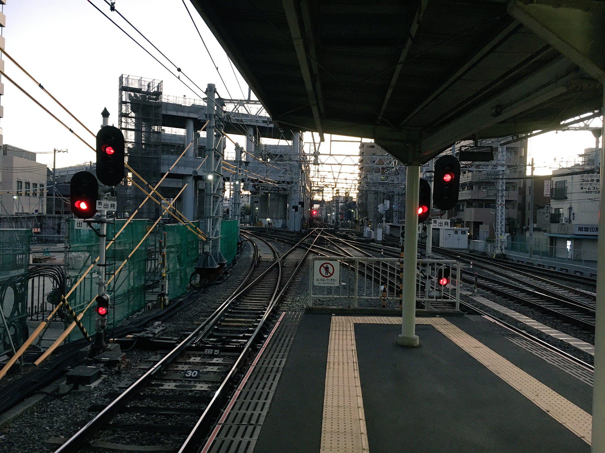 画像,う〜む。阪急京都線・千里線の運行上の要である淡路駅構内でポイントが故障したらどうにもならんなぁ。 https://t.co/q9Vy1tJNhC…