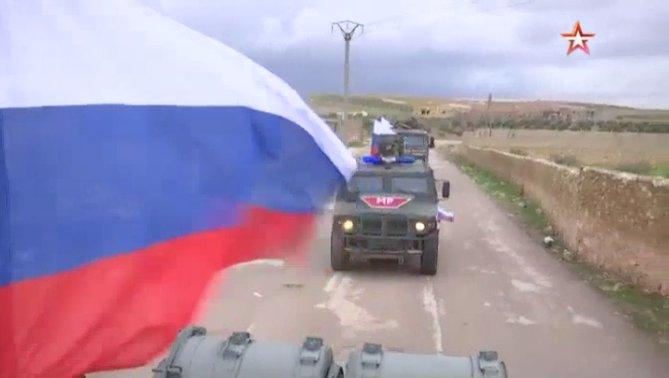 Военная полиция РФ к западу от Манбиджа