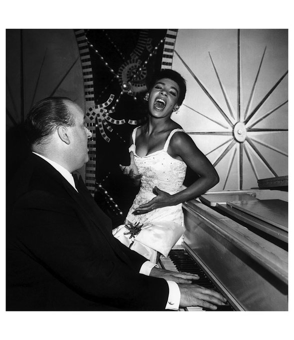 Happy 82nd birthday today to the one & only Dame Shirley Bassey!