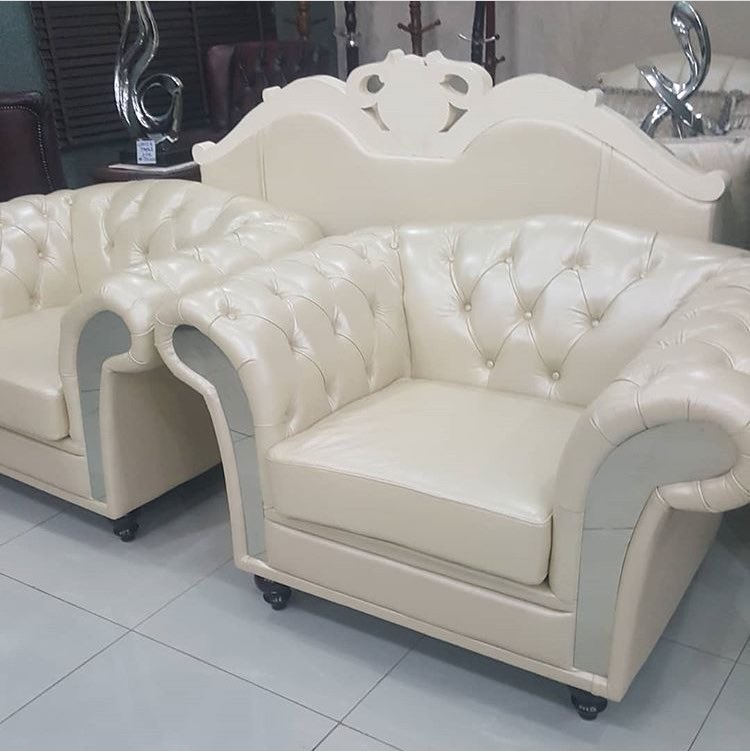 Please allow us introduce you to #affordable royalty. Yes, royalty can be affordable, and Ticon offers that.  You've got to sit on this, you wouldn't want to get up 😀😀😎😎😊😊 #teamTicon #TinadFurniture #furnituredesign #furniture #royalty #comfort #beauty