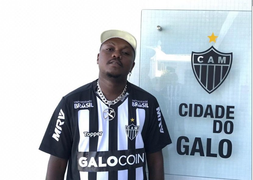 Rapper Djonga leva a família para conhecer a Cidade do Galo https://t.co/e9atcQZizd