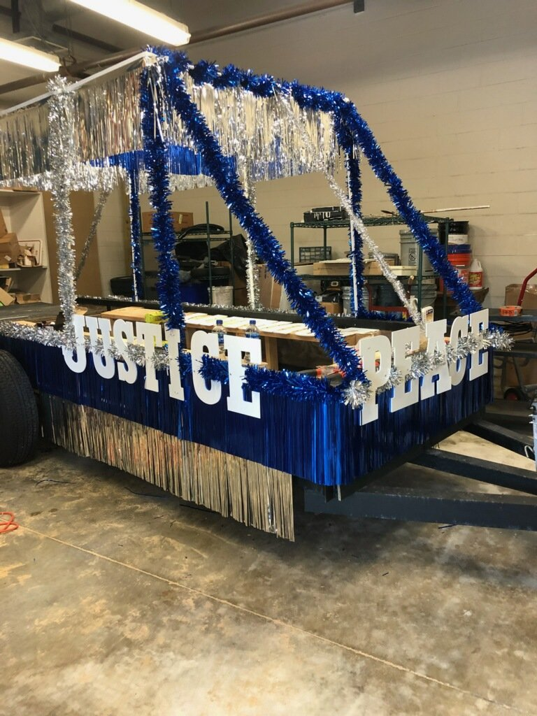 test Twitter Media - Getting ready for the Martin Luther King Parade. Mr. Kurth, Mr. Beatty and Mr. Hibbard are in charge of the float. https://t.co/EVSCnm1L0H