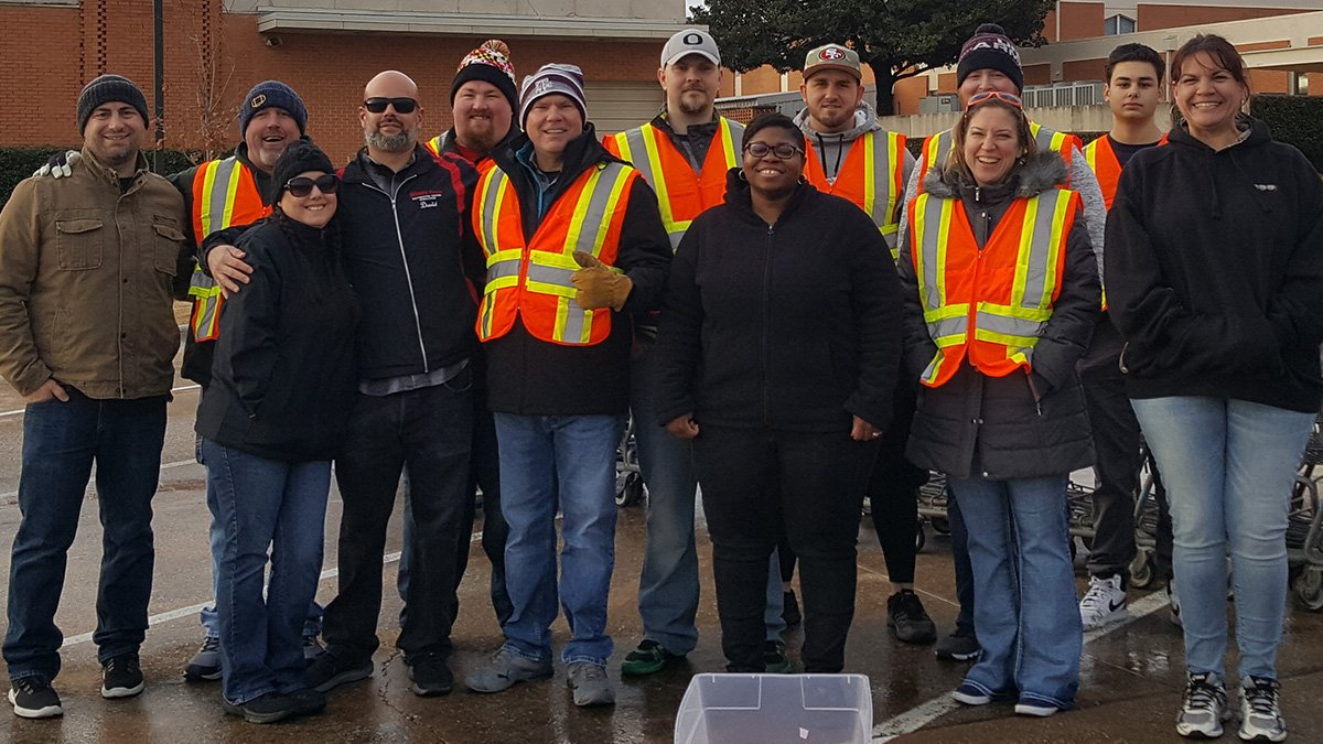 🙌Thank you to everyone at @WinCoFoods for battling the cold weather last Saturday to help provide food to those in need. #HungerFightingHeroes #TAFoodBank #Volunteer
