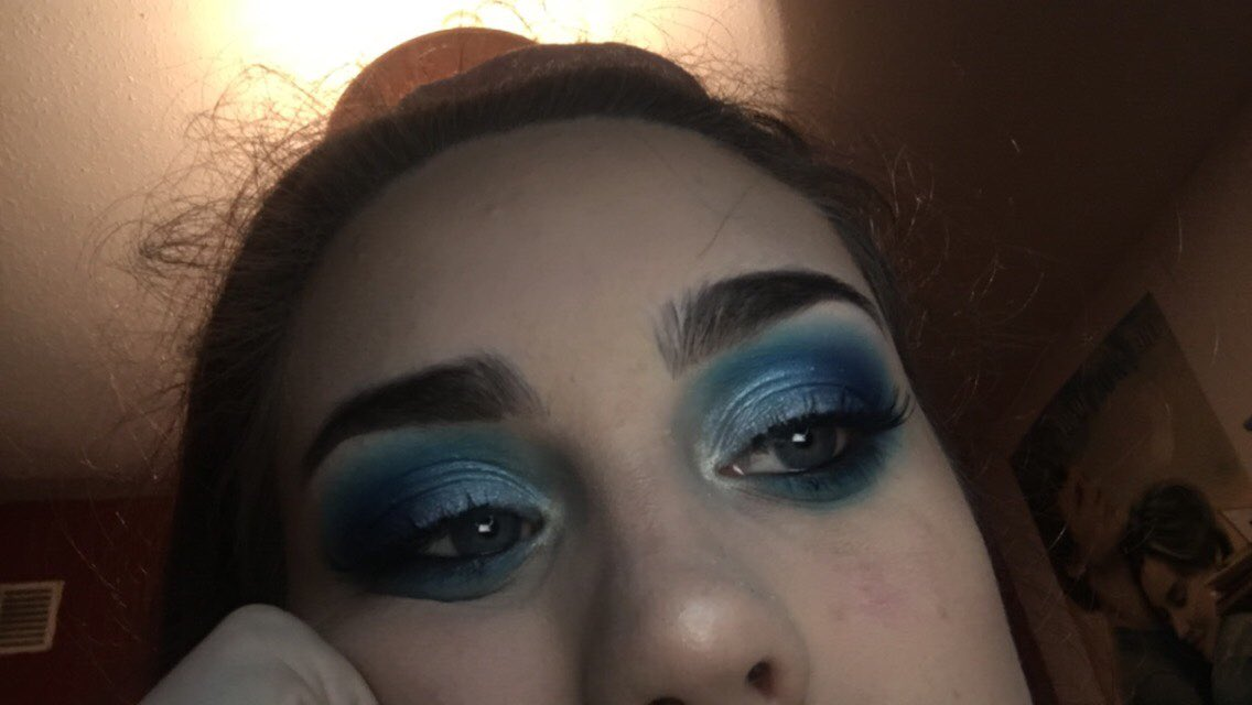 day two of me being the love child of james charles and emma chamberlain 🤩 #jamescharlespalette #UNLEASHYOURINNERARTIST