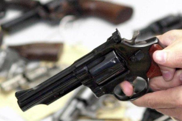 Decreto de posse de arma prevê necessidade de cofre em alguns casos #armas #decreto #JairBolsonaro #otempo https://t.co/C4GlG2sVWV