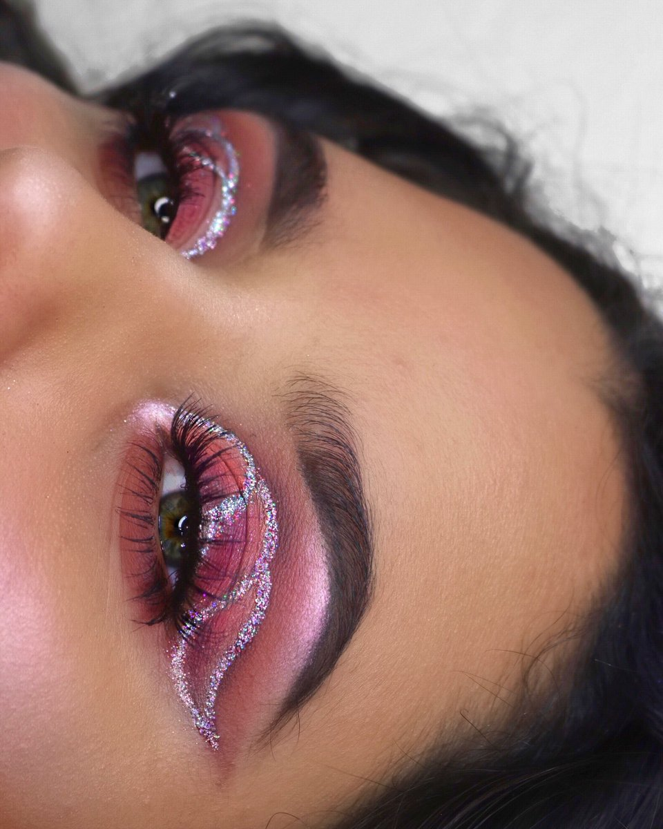 """💕 Lashes: @KissProducts """"011"""" Eyeshadow: @UrbanDecay Naked Cherry palette   Recreated Sandy Hirales's look"""
