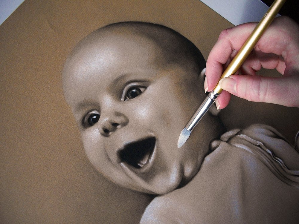 Buffing and softening shading for Ada #blending #shading #drybrush #drawing #charcoal #pencil #chalk #sepia #realistic #babydrawing #familyportrait #traditionalart