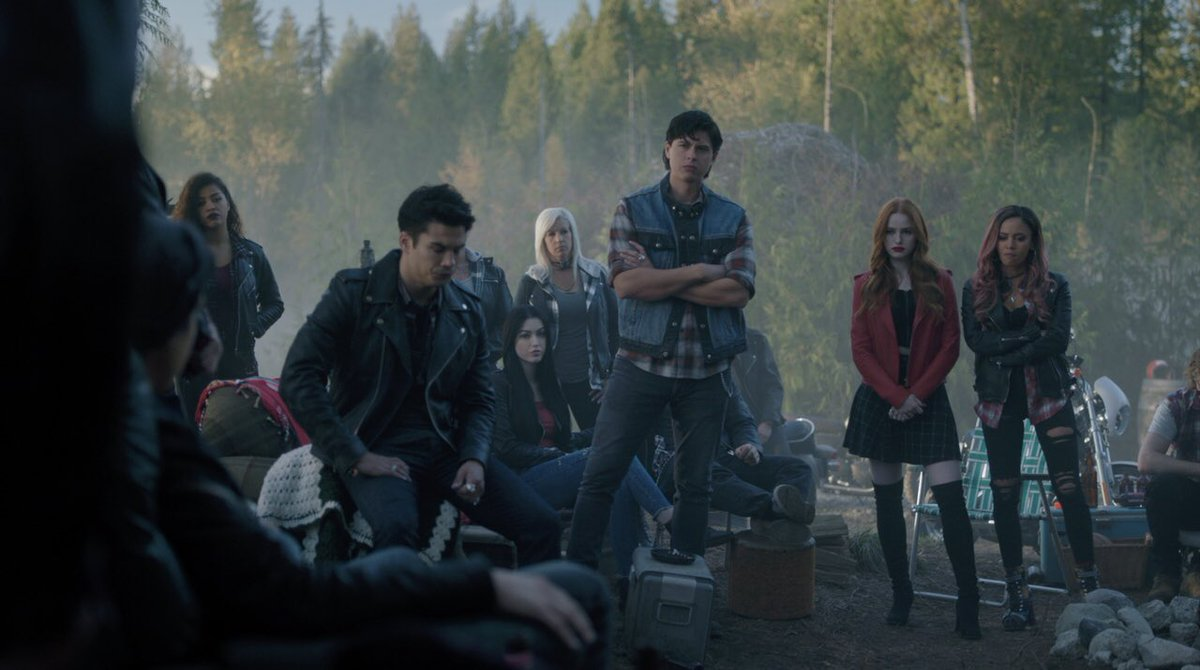RT @thejordanconnor: Not so patiently waiting for the mid season premiere of #Riverdale! Am I right? https://t.co/OBoz6i6xCZ