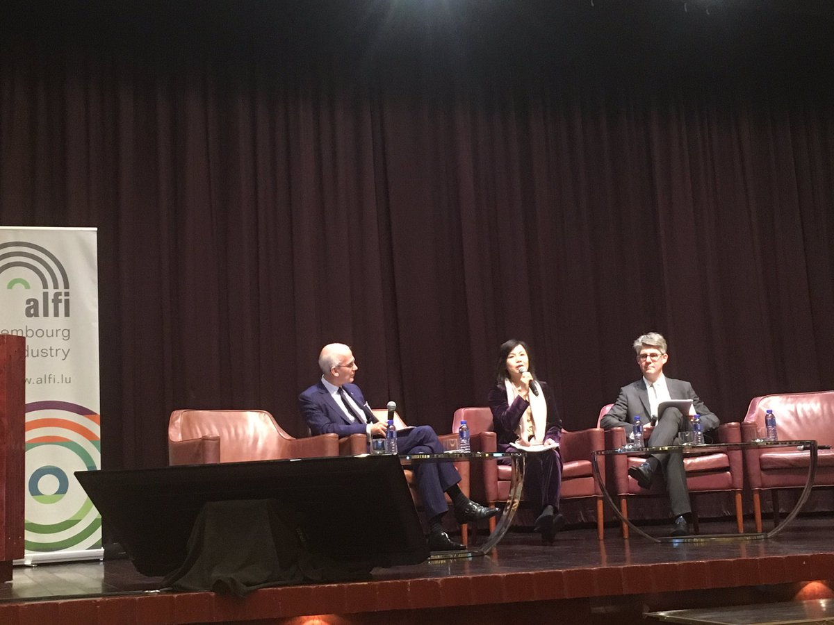 Dialogue with regulators: ALFI's Marc-Andre Bechet is interviewing Christina Choi #SFC and Marco Zwick @cssflux #ALFIAsia19
