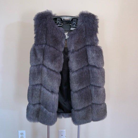 f479eb3b63d10 Check out all the items I m loving on  Poshmarkapp  poshmark  fashion   style  shopmycloset  donnkenny  guhua  freeplume   https   bnc.lt focc G1xDJDvmUR ...