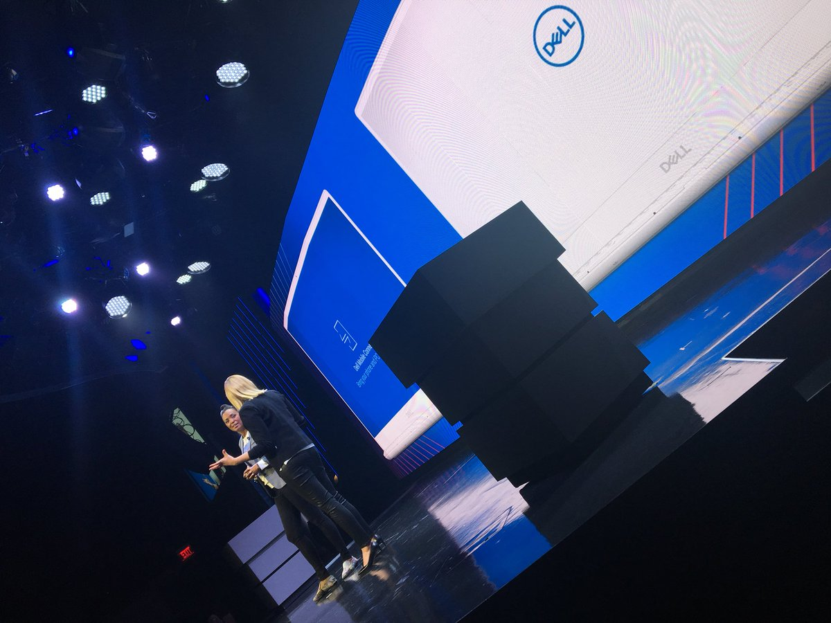 FINALLY. You can transfer files through Dell to your phone. Heck yes. #AlienwareHive #DellExperience