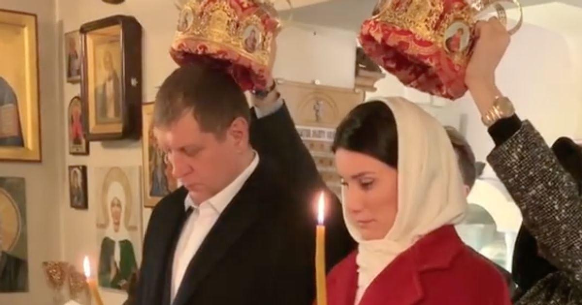 Нечаянный грех: Емельяненко обвенчался с женой на Афоне