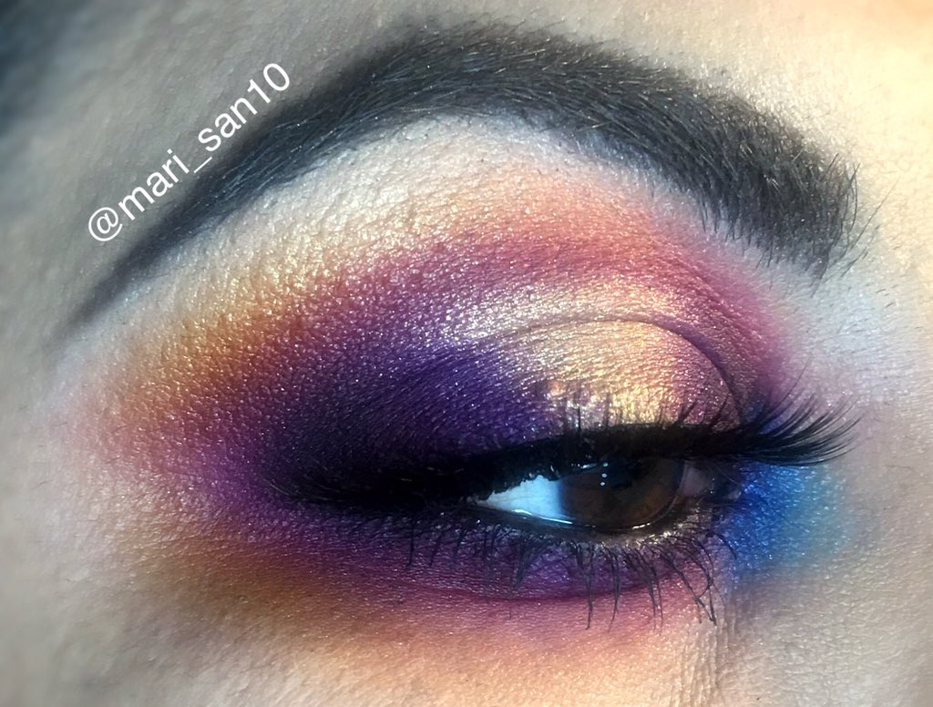 Lifes A Drag shadow: @MannyMua733 lunar beauty lifes a drag palette  lashes: @KissProducts in opulence  brows: @ABHcosmetics dipbrow in dark brown  . . . #genuinebeautieseg #lifesadragpalette #underratedmuas #mannymua #undiscovered_muas #beauty #eyemakeup