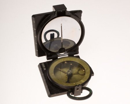CIA #Museum Artifact of the Week: Office of Strategic Services Compass  This was used by an Office of Strategic Services (OSS) officer who served with OSS Detachment 202 in the China-Burma-India Theater.  https://t.co/jON3vyxGVm