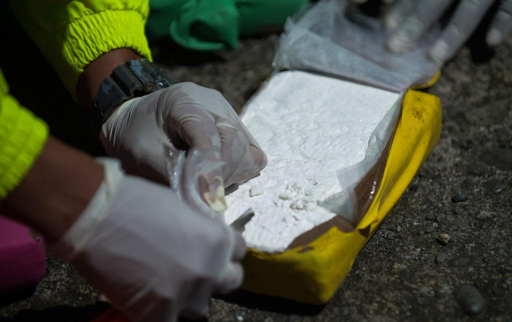 U.S. soldiers plead guilty to attempting to smuggle $1 million worth of cocaine from Colombia aboard a military plane https://trib.al/6zBQQ6o