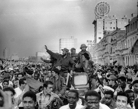 """Juan Manuel Karg on Twitter: """"Un 8 de enero de 1959, Fidel Castro ingresaba  en La Habana. Esta foto inédita de Perfecto Romero es publicada hoy por  primera vez por Cubadebate, a"""