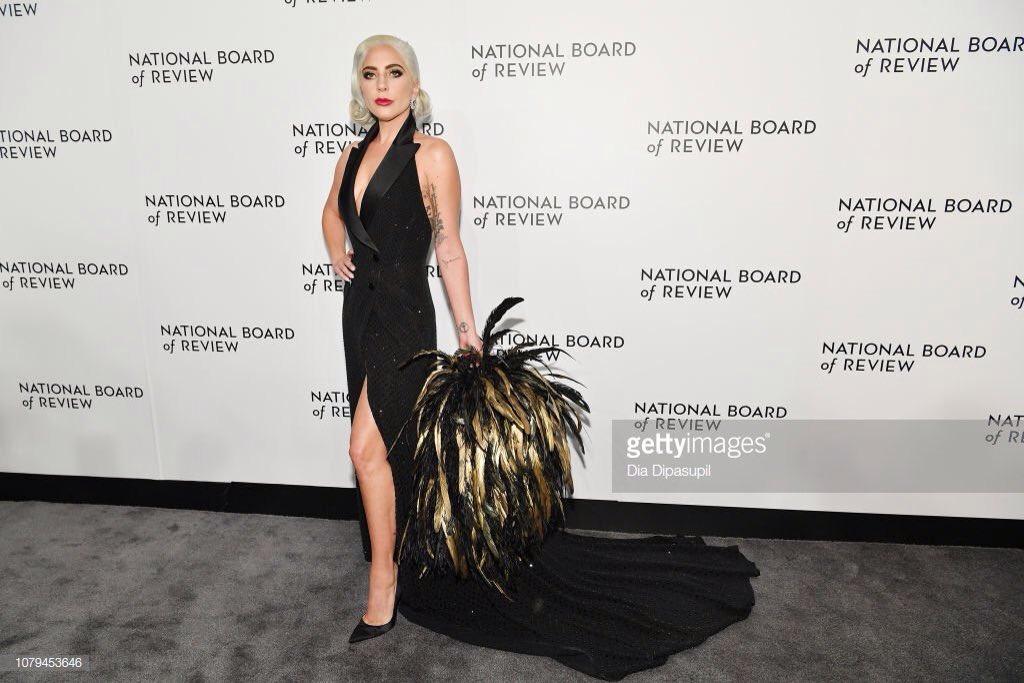 2 - Lady Gaga - Σελίδα 31 Dwbe0ZdVYAEITa4