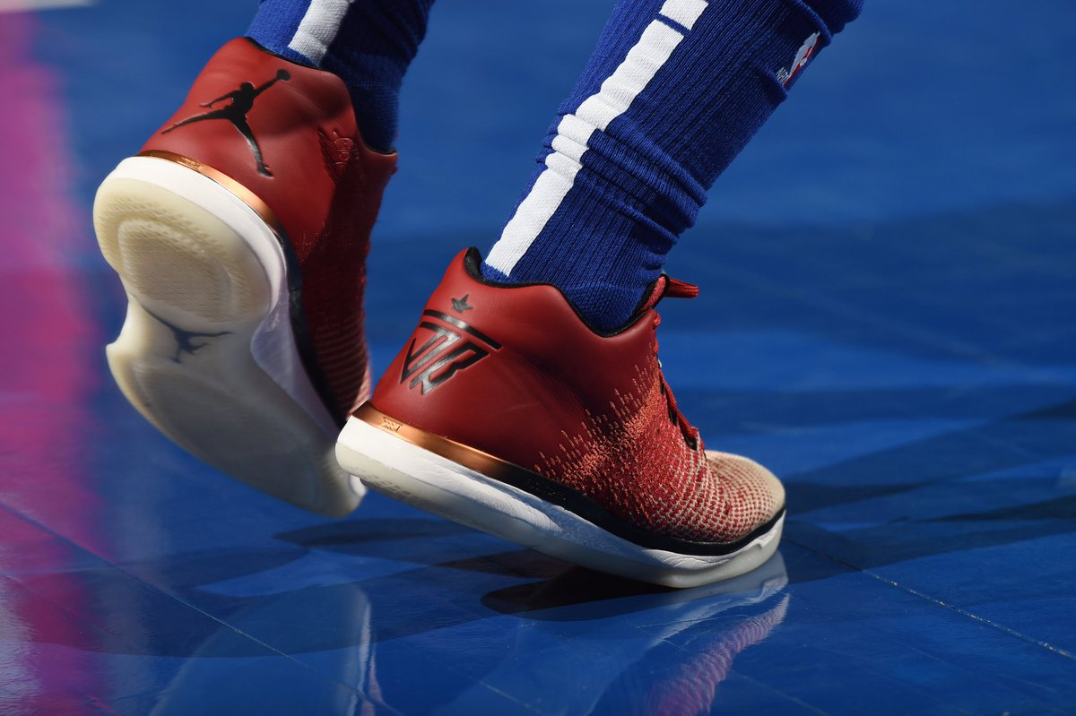 54cf9939444f jimmybutler helped the sixers pick up the w in air jordan 31 low pes  solewatch david