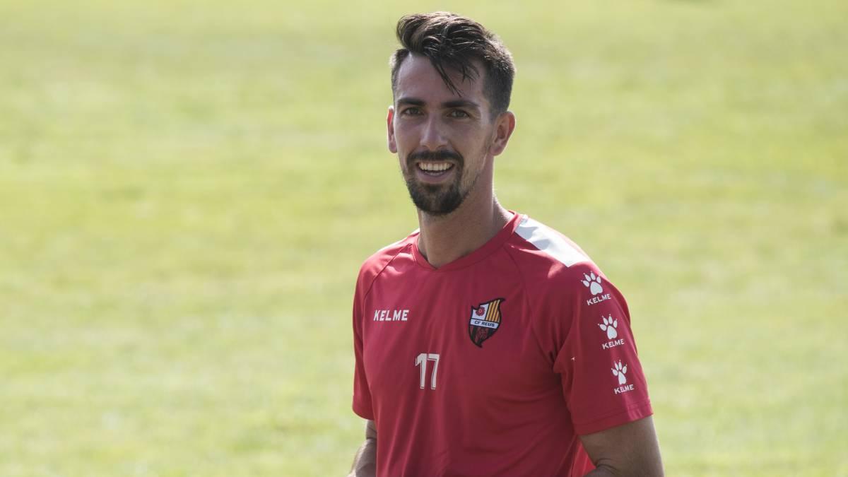 20213df055 OFICIAL  Clube japonês contrata o meia brasileiro João Schmidt