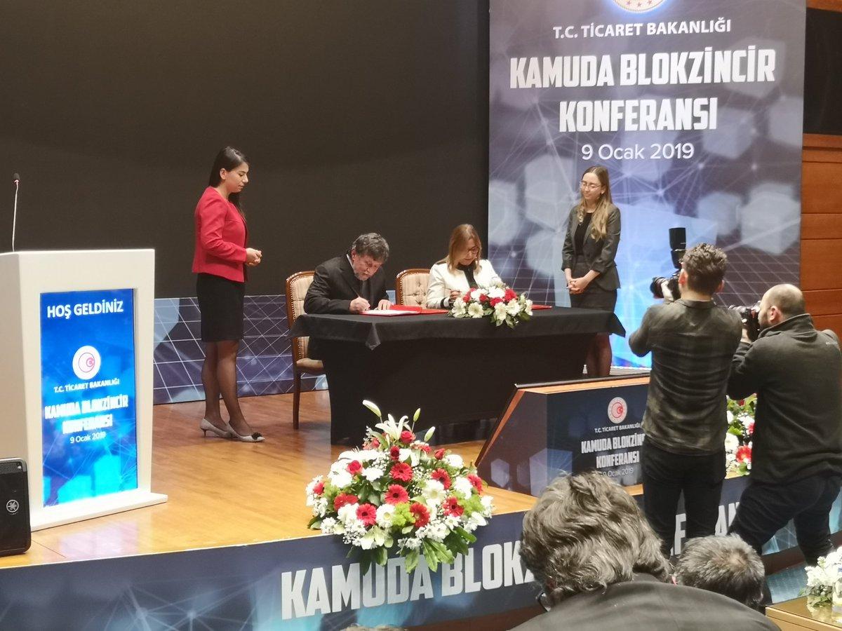 """Ticaret Bakanı Ruhsar Blokchain Türkiye Tarafından Ortaklaşa Düzenlenen """"Kamuda Blockchain Konferansı""""na Katıldı."""