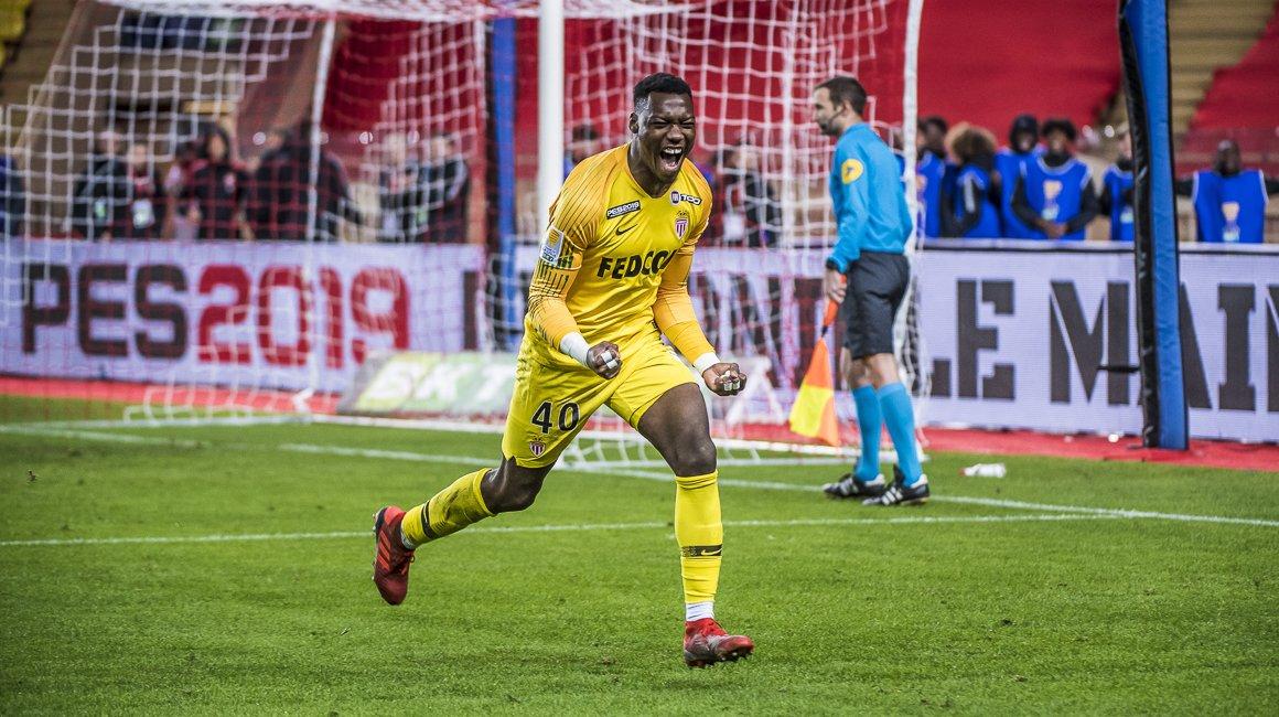 ¡Felicitaciones @AS_Monaco!  Merecida clasificación a las semifinales de la Coupe de la Ligue.  Gran trabajo @Loic_Badiashile!!!  /// Congratulations As Monaco. We deserve to win and we are into the @CoupeLigueBKT semi-finals. Great Job Loic ! great !