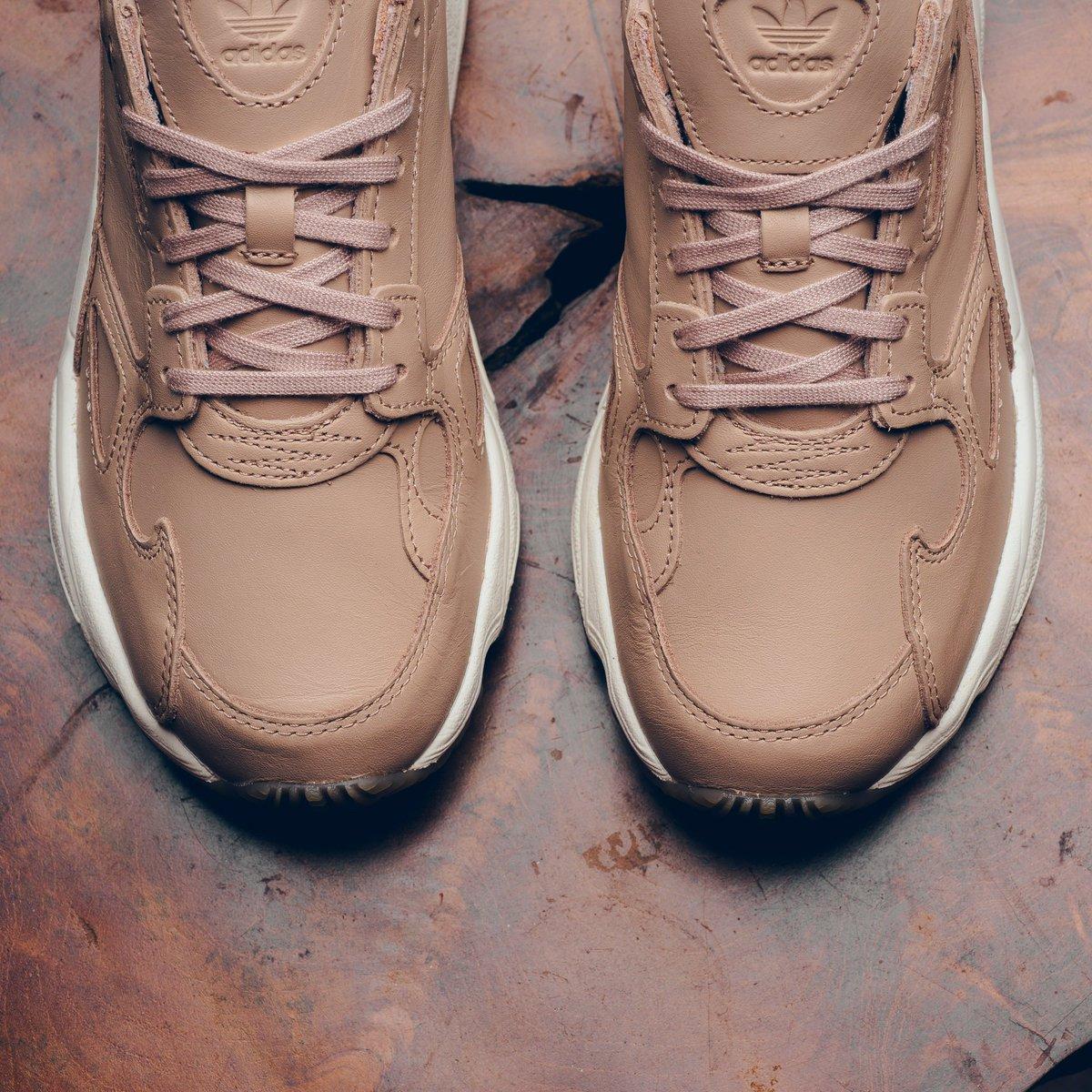 promo code a7e01 a56c0 Available Now    WMNS Adidas Falcon - Ash Pearl    https   sneakerpolitics .com products wmns-adidas-falcon-ash-pearl …pic.twitter.com XWLD0YIrVu