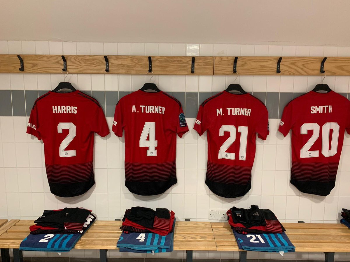 #MUWomen team to face West Ham in tonight's #ContiCup tie (kick-off 19:00 GMT):   Chamberlain; Harris, A.Turner, M.Turner, Smith; Green, Zelem, Greenwood (c); James, Arnot, Sigsworth.   Subs: Palmer, Toone, Hartley, Ramsey, Roberts, Devlin, Hanson.