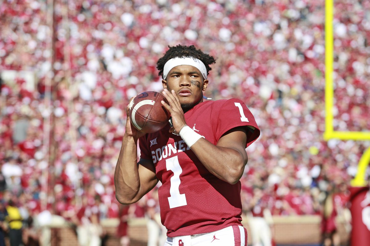 Kyler Murray is reportedly leaning toward entering the 2019 NFL Draft 👀  Details on this week's @sticktofootball https://t.co/RxjxekyPsj
