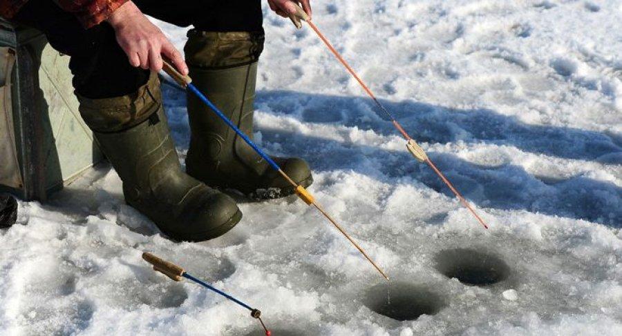 Чем делают лунку на зимней рыбалке