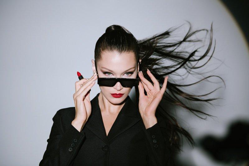 #BellaHadid Gets Glam in #Dior Makeup Holiday Campaign @bellahadid @Dior https://t.co/sqtkZmKptn