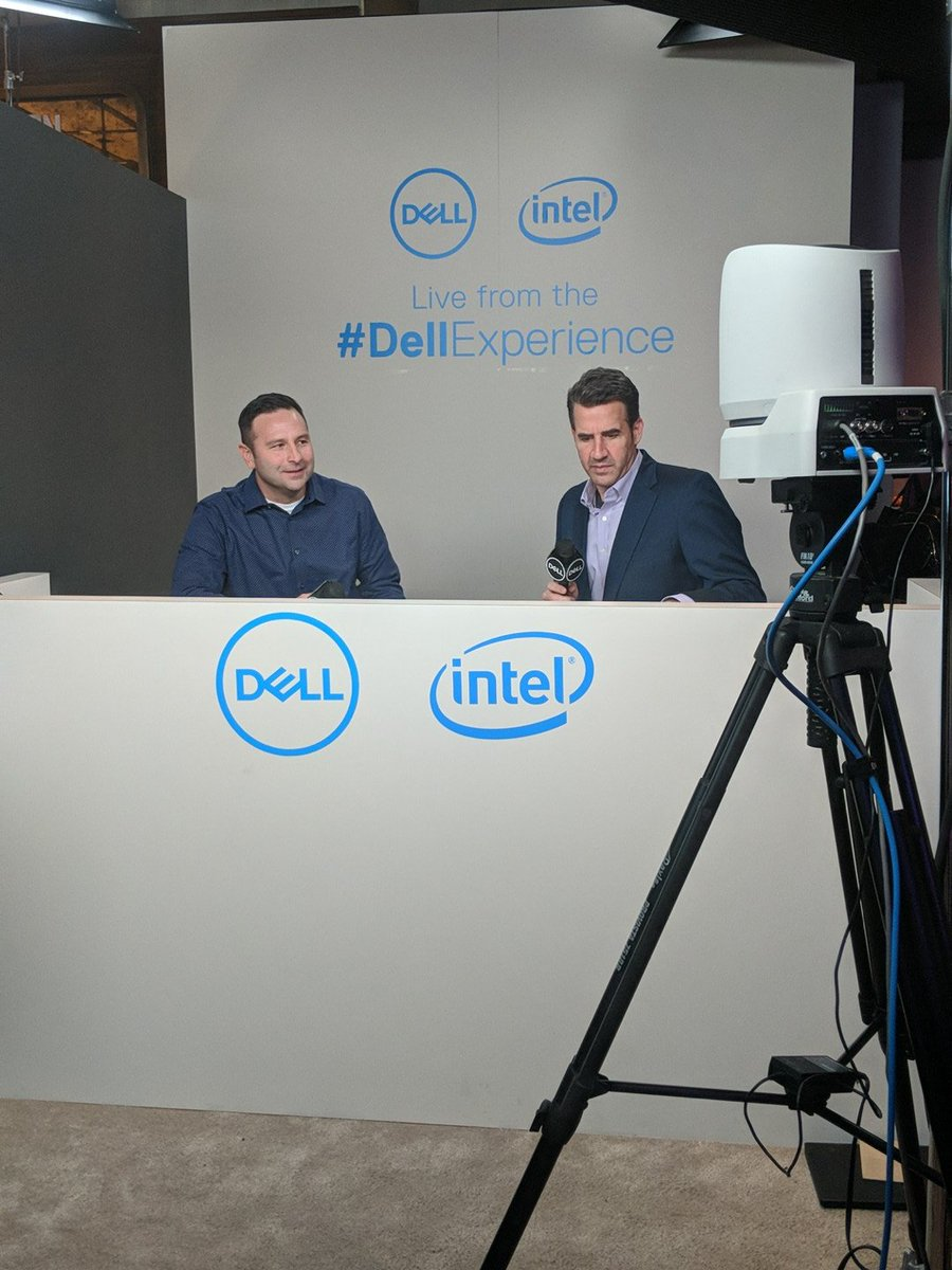 Live from the #DellExperience booth at #CES2019 @Microsoft tune in now: https://t.co/HlXx1hyflc