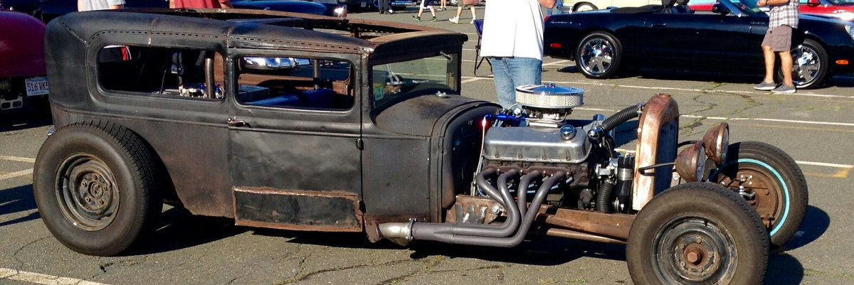 #Car Awesome of the Day: #Steampunk-ish ⚙️ Rusty Black #RatRod #HotRod 🔧 via @RodsClub #SamaCars 🚗