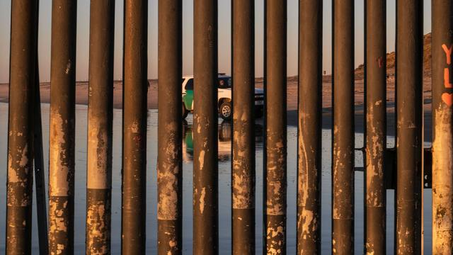 Texas landowners preparing to fight eminent domain over proposed border wall: report http://hill.cm/DcTJU4m
