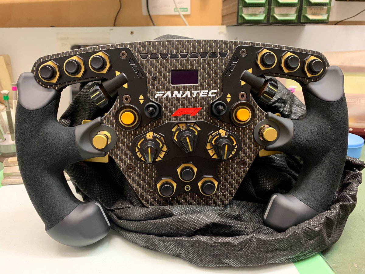 Welcome in the future 😍 feeling incredibly excited to try this new wheel, tonight first laps trying to find the best confortable setup for F1 2018. 😲 what a beast —> @fanatec #keepworking