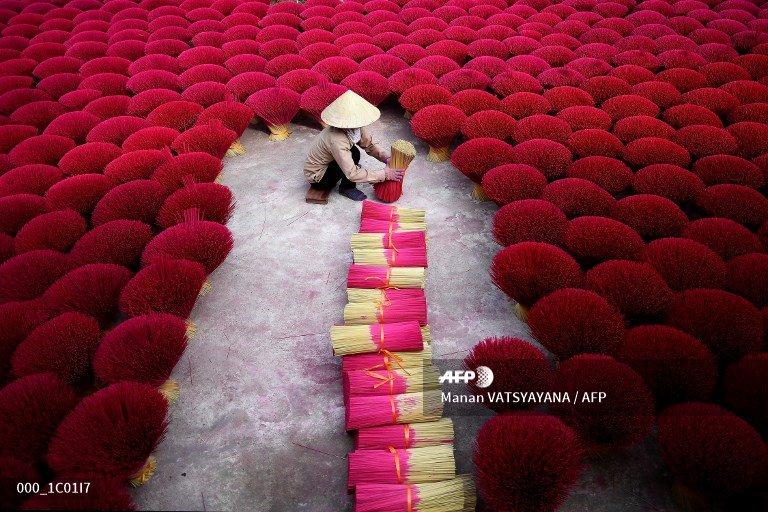 🇻🇳 Slow burn: Vietnam 'incense village' churns out holiday essential http://u.afp.com/ovM9