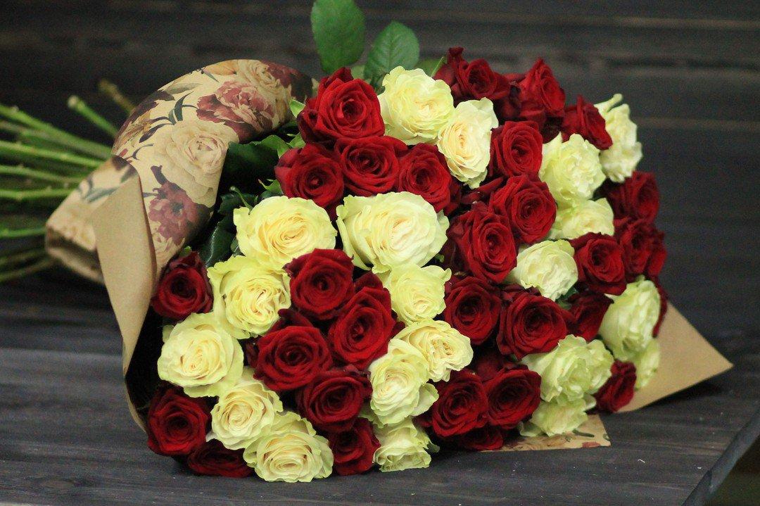 букеты из роз двух цветов смотреть фото загорье