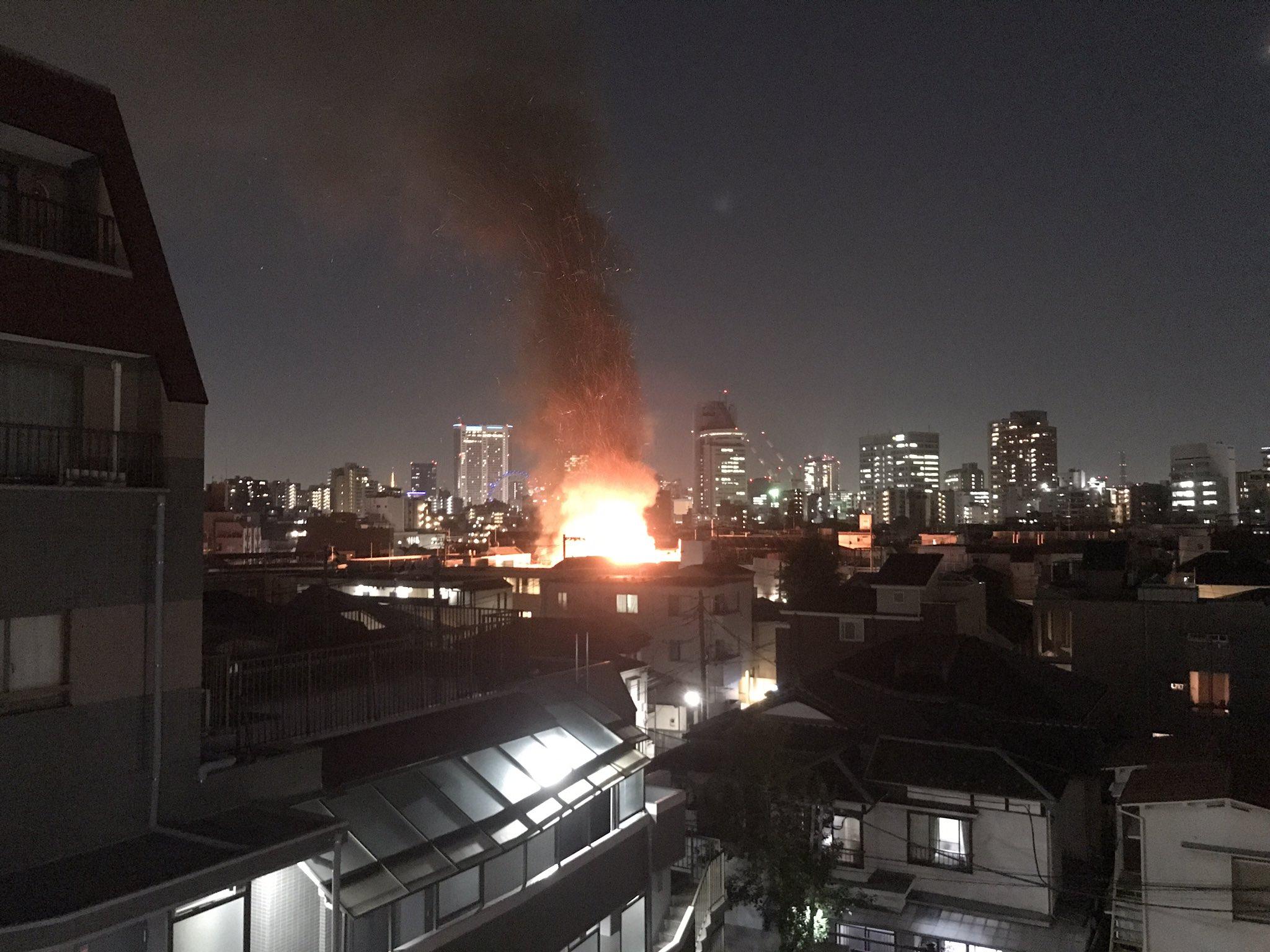 画像,会社の近所で火事。激しい https://t.co/38JwFDGDkd。