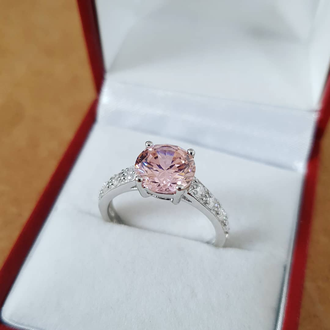 #giveaway time #win this gorgeous Pink Solitaire! Simply RT, Follow and tag two friends to enter! Winner announced Monday at 12:30pm! Good luck all   #ContestAlert #contest #Competition #CompetitionTime #jewellery #rings #pink #fashion<br>http://pic.twitter.com/oU4VBJqoLM
