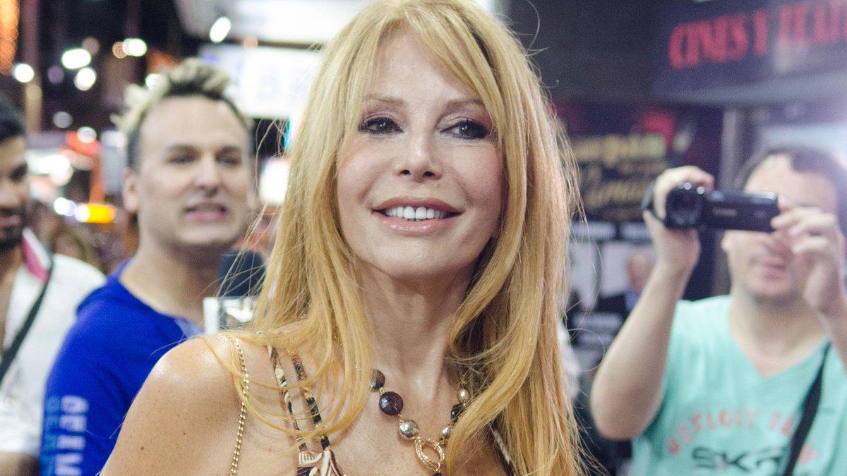 Paparazzi's photo on Graciela Alfano