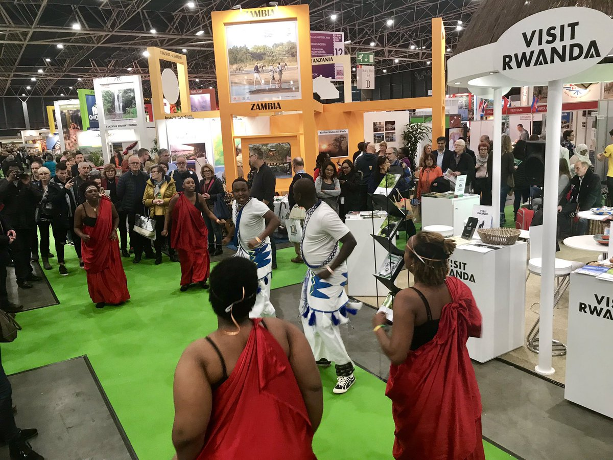 Come to the @visitwanda stand in hall 12 at #Vakantiebeurs tourism exhibition in the #Netherland and enjoy the traditional dance from #Rwanda 🇷🇼