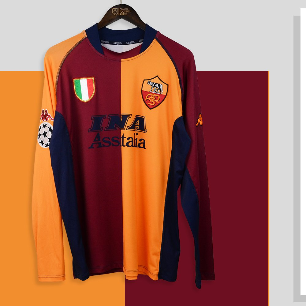 e3a8d1d7dec AS Roma had this amazing half and half kit for 2001-02 Champions League  campaign Can you think of any other teams that wear a half and half kit