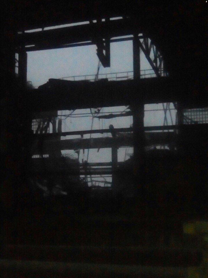 В окупованій Макіївці впав критий торговий ряд на ринку. Очевидці повідомляють про трьох постраждалих - Цензор.НЕТ 3887