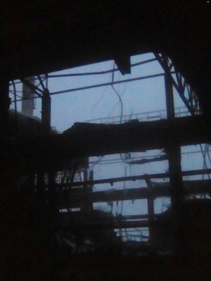 В окупованій Макіївці впав критий торговий ряд на ринку. Очевидці повідомляють про трьох постраждалих - Цензор.НЕТ 3640